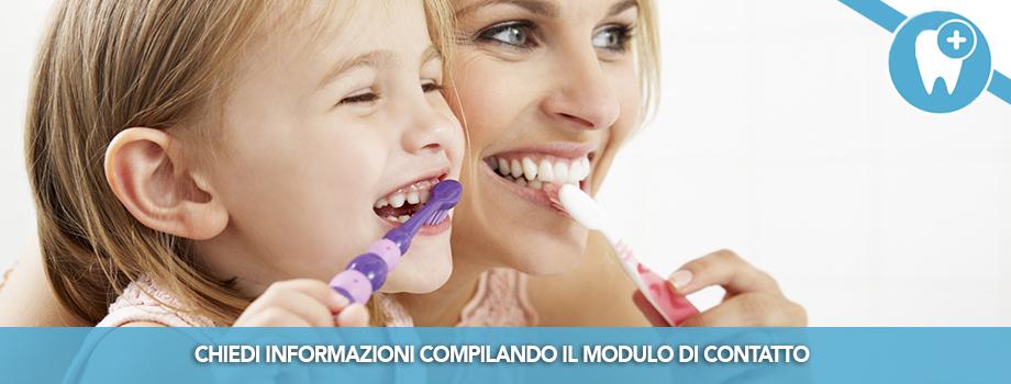 Come insegnare al proprio bambino a lavarsi i denti dentista